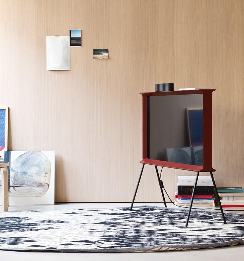 bouroullec 39 s typeface inspired design for samsung form. Black Bedroom Furniture Sets. Home Design Ideas